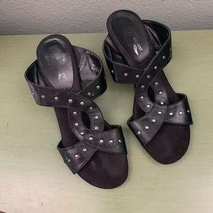 A2 Aerosoles 8 Heels Black Sandals Slides Pewter